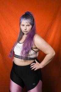 bild på en kvinna i träningskläder