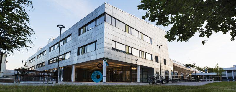 bild på en byggnad - Kungsmads skolan.