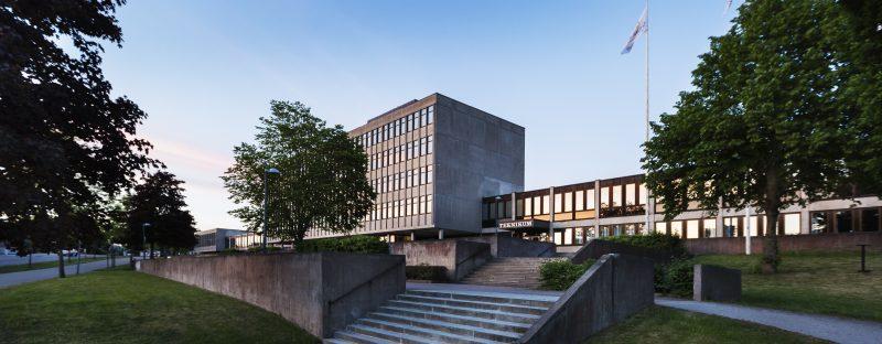 bild på en skolbyggnad, teknikum.
