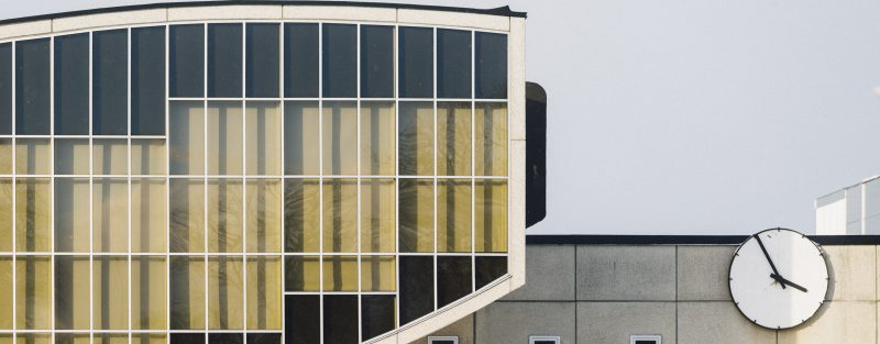 bild på ett en fasad, Katedralskolan.